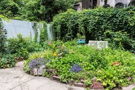 Nyc Backyard 7 Bucolic Nyc Outdoor Spaces To Inspire You This Spring Curbed Ny