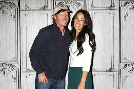 Chip And Joanna Fixer Upper U0027 Stars Chip Gaines And Joanna Gaines U0027 Church Facing