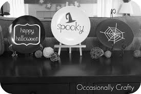 halloween vinyl plates inspired by cupcake toppers occasionally