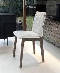 chaise simili cuir blanc design pieds bois sur cdc design