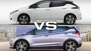 nissan leaf vs chevy volt 2018 nissan leaf vs 2017 chevrolet bolt ev youtube