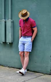 mens light blue shorts la correcta forma de usar bermudas en el verano man style