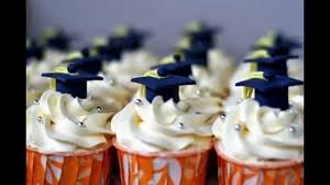 college graduation decorations cupcakes graduation decorating ideas from gradplanet