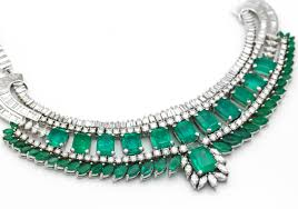 emerald gemstone necklace images Emerald gemstone buzz jpg