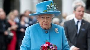 Queen Elizabeth 2 Queen Elizabeth Ii Went Inside A Grocery Store And Her Reaction Is