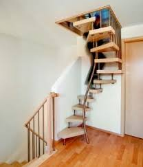 treppe spitzboden innovative raumspartreppe ais de dachboden