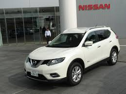 white nissan 2017 quick drive 2017 nissan rogue hybrid previewed by x trail hybrid