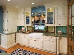 witching federal style kitchen features white color wooden kitchen