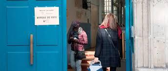 les bureaux de vote ferme a quel heure présidentielle revivez la journée de vote du premier tour le point