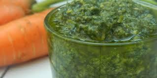 cuisiner les fanes de carottes pesto de fanes de carottes facile et pas cher recette sur cuisine