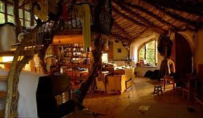 10 bewitching hobbit houses seemengly inspired by tolkien s - Hobbit Home Interior