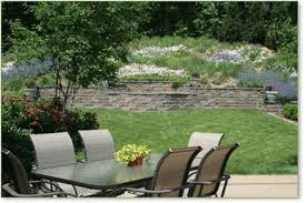 Steep Hill Backyard Ideas Landscaping On A Hill Note That The Wall Is Placed Where