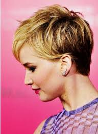 practical and easy care hairstyles for women in their forties 504 best shoulder length short images on pinterest hair dos