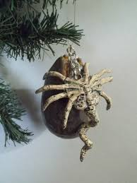 facehugger and alien egg holiday ornament 40 00 via etsy oh i