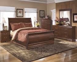 Mirrored Bed Wilmington 5 Pc Bedroom Dresser Mirror U0026 Queen Sleigh Bed