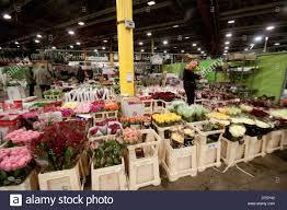 london uk 10th february 2014 wholesale market vendors sell