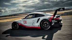 porsche rsr interior 2017 porsche 911 rsr racer adopts mid engined layout forcegt com