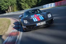 video porsche 918 sets nà rburgring record winding road