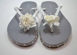 wedding flip flops 30 minute wedding flip flops as the bunny hops