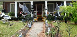 Decorated Homes For Halloween Halloween Home Decorations Halloween Porch Ideas 34 Top 41