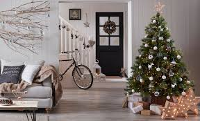 artificial christmas tree buying guide help u0026 ideas diy at b u0026q