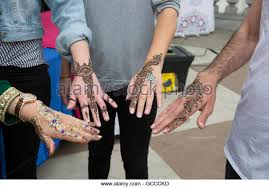 henna hand eid stock photos u0026 henna hand eid stock images alamy