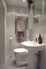 apartment bathroom ideas best apartment bathroom design ideas only on small