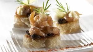 cuisiner crevette recette tartine de crevettes tapenade œuf de caille et maïs