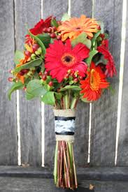 Diy Bridal Bouquet Red And Orange Diy Bridal Bouquet Backyard Huppah