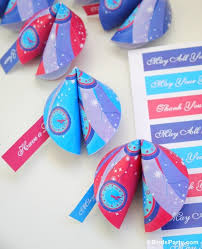 new year s fortune cookies new year s party diy paper fortune cookies party ideas