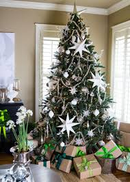White Christmas Tree Red Decorations by Victorian Style Home Interior White And Silver Christmas Decor