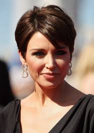 short hairstyle round face fade haircut