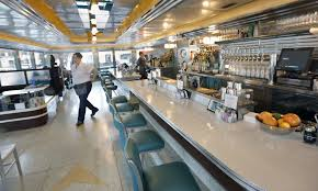s minneapolis crime fighter try late night hi lo diner on east