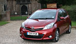 toyota yaris sr review toyota yaris sr 5 door 1 33 2011 2012 review photo gallery