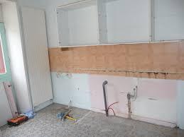 fixer une cuisine sur du placo comment fixer un meuble haut de cuisine simple fixation meuble