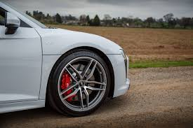 Audi R8 Top Speed - 2017 audi r8 v10 review a properly fast everyday supercar