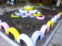 cool way use recycled tyres for gardening decorations