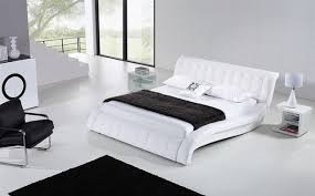 black and white bedroom ideas white sheets