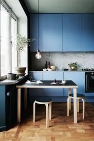 electric blue kitchen cabinets 30 gorgeous blue kitchen decor ideas digsdigs