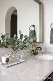 Easy Bathroom Updates by Best 10 Bathroom Mirror Redo Ideas On Pinterest Redo Mirror