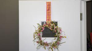door window ribbon wreath hanger how to