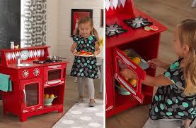 jouer a cuisiner ma sélection de cuisine enfant en bois pour imiter les grands