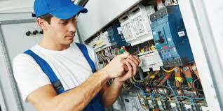 3 benefits of hiring an electrician over a handyman or diy zelek