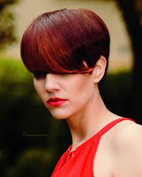 short hairstyle with a free and outlined ear red hair color