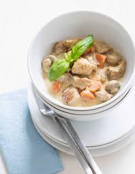 cuisiner la blanquette de veau blanquette de veau thermomix pour 4 personnes recettes à table