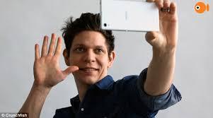 Take A Selfie Gocam An Ios App To Take A Selfie Using Hand Gesture From 10 Meters