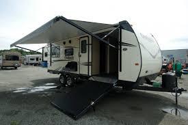 2 queen beds heartland bighorn bedroom travel trailer trailers