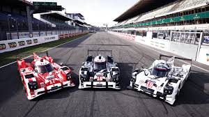 porsche 919 hybrid 2016 porsche 919 hybrid and 911 rsr takes warm up lap at circuit de la