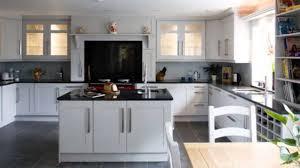 idees cuisine moderne cuisine cuisine en u ouverte pour tout espace photos et conseils