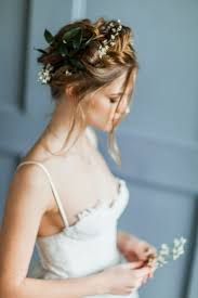 bridal hairstyle for gown bridal portraits inspiration